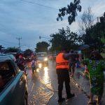 Jalan Trans Sulawesi Terendam Banjir, Si Pammat Dit Samapta Polda Gorontalo Cepat Tanggap Lakukan Antisipasi