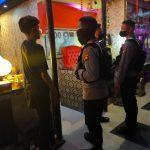 Sasar Tempat Cafe dan Tempat Nongkrong, Patroli Samapta Polda Gorontalo Terus Tegakkan Prokes